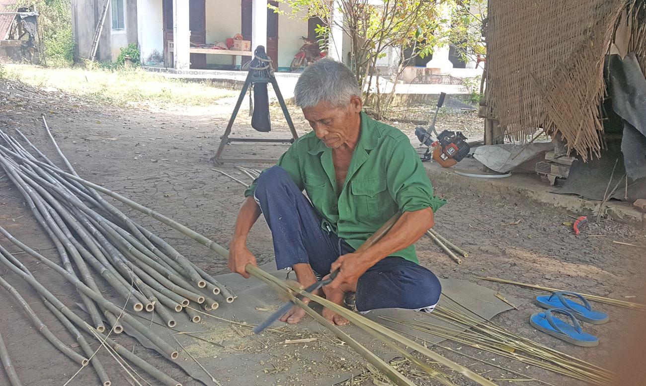 Không biết nghề đan cần xé có từ bao giờ, chỉ biết rằng, nghề này vẫn duy trì từ thế hệ sang thế hệ khác