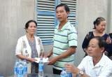 Đức Huệ hỗ trợ nạn nhân vụ cháy nhà