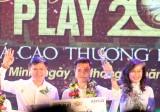 Văn Toàn tặng tiền giải thưởng Fair Play 2017 cho Thùy Trang