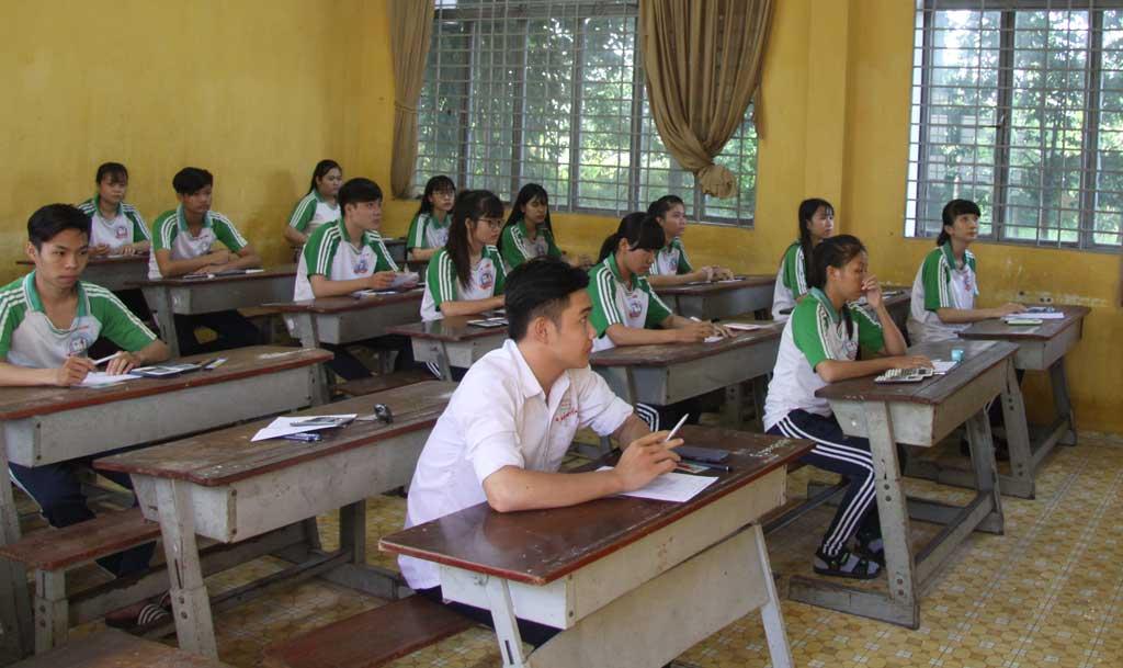 Kỳ thi THPT quốc gia nhằm xét công nhận tốt nghiệp THPT và sử dụng kết quả thi xét tuyển cao đẳng, đại học.
