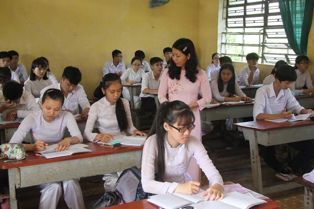 Học sinh nỗ lực ôn tập chuẩn bị kỳ thi THPT quốc gia năm 2018