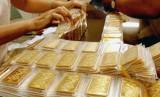 Giá vàng hôm nay 16/3: Ồ ạt bán tháo, vàng tụt giảm