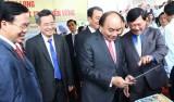 Thủ tướng Nguyễn Xuân Phúc dự Hội nghị xúc tiến đầu tư tỉnh Vĩnh Long