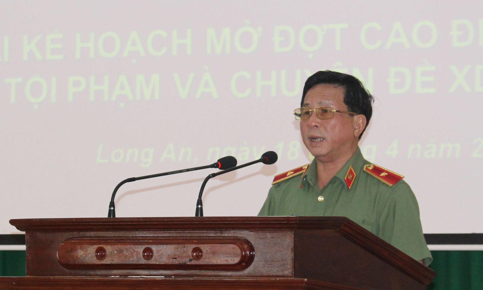 Thiếu tướng Phan Chí Thanh - Giám đốc Công an tỉnh chỉ đạo các lực lượng tập trung tấn công tội phạm, đảm bảo ANTT lễ 30/4, 1/5 năm 2018