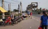 Dốc cầu vượt Âu tàu Rạch Chanh: Nhiều nguy cơ xảy ra tai nạn giao thông
