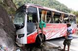 Lật xe khách trên đèo Khánh Lê: Phó Thủ tướng chỉ đạo khẩn khắc phục