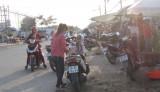 Chấn chỉnh tình trạng buôn bán lấn chiếm lòng, lề đường trên Đường tỉnh 818