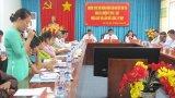 Đại biểu HĐND huyện Tân Trụ chất vấn lãnh đạo huyện về vấn đề đất đai
