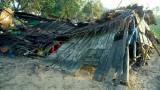 Hỗ trợ người dân bị sập nhà do mưa giông