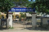 Học sinh đánh nhau gây án mạng ngay cổng trường trong ngày bế giảng