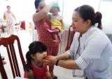 Cần Giuộc: Hơn 6.300 trẻ em từ 6-36 tháng tuổi được uống vitamin A