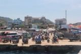 2.000 du khách kẹt ở đảo Lý Sơn, 1.100 tàu cá còn ngoài biển