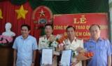 Viện Kiểm sát nhân dân tỉnh trao quyết định về công tác cán bộ