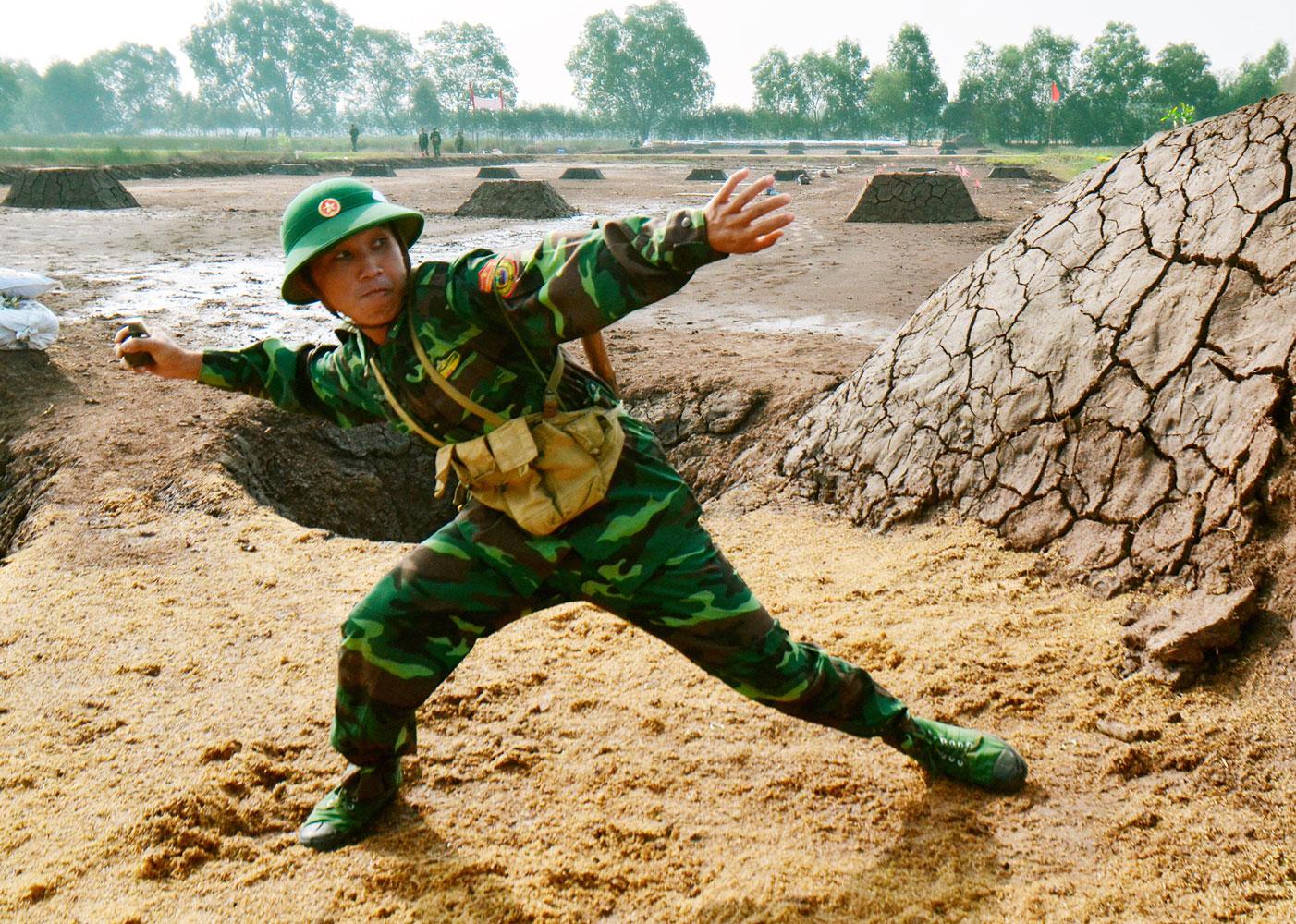 Chiến sĩ mới bình tĩnh, tự tin, quyết tâm đạt kết quả cao