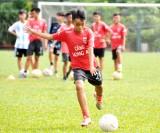 Bóng đá Long An chú trọng công tác đào tạo trẻ