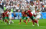 Morocco bất ngờ gục ngã trước Iran vì bàn phản lưới nhà vào phút chót