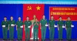 Thăng quân hàm cho 44 sĩ quan