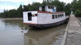 Không thể tùy tiện mở bến khách ngang sông trên đất quốc phòng