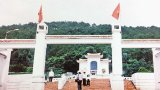 Viếng anh hùng liệt sĩ Ngã ba Đồng Lộc