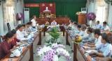 Phó Bí thư Thường trực Tỉnh ủy Long An kiểm tra tình hình thực hiện Nghị quyết TW4, khóa XII và Chỉ thị 05/CT-TW