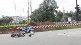 2 xe máy tông nhau, 1 người bị thương