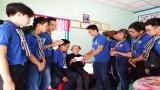 Đoàn viên, thanh niên thăm, tặng quà gia đình chính sách