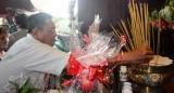 Cầu siêu và dâng hương tưởng niệm liệt sĩ Thanh niên xung phong