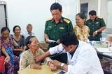 TP.Tân An: Khám bệnh, phát thuốc miễn phí cho gia đình chính sách
