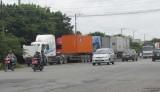 """Tuyến tránh Quốc lộ 1 oằn mình """"gánh"""" container, xe tải"""