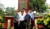 Lãnh đạo huyện Bến Lức viếng Di tích lịch sử Đình Mương Trám