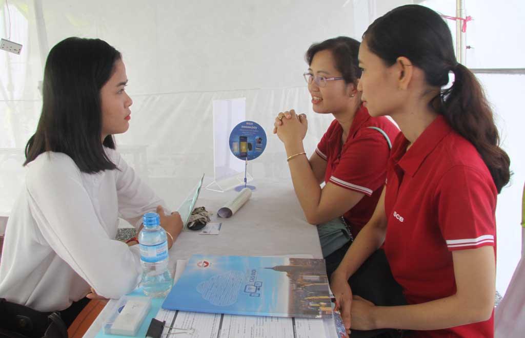 Võ Phương Thảo, nghiệp ngành Kế toán doanh nghiệp tham gia phỏng vấn trực tiếp với nhà tuyển dụng
