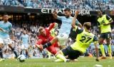 """Sergio Aguero lập hat-trick, Man City """"đánh tennis"""" trước Huddersfield"""