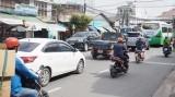 Cần sớm khắc phục những bất cập giao thông trên đường Hùng Vương
