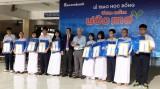 Sacombank Chi nhánh Long An trao 82 suất học bổng cho học sinh
