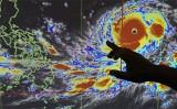 Siêu bão Mangkhut tiềm ẩn những nguy hiểm lớn khi vào Hong Kong