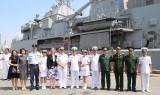 Tàu Hải quân Hoàng gia New Zealand thăm TP.HCM