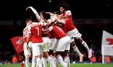 Welbeck tỏa sáng, Arsenal thẳng tiến tại Cúp Liên Đoàn