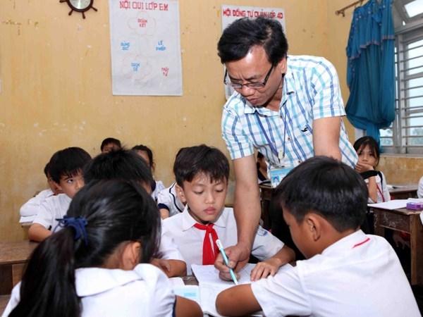 Hiện cả nước đang thiếu gần 76.000 giáo viên (Ảnh: TTXVN)