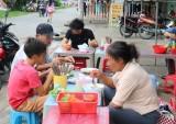 Bảo đảm an toàn thực phẩm trong kinh doanh thức ăn đường phố
