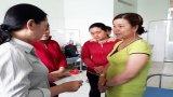 Hội Liên hiệp Phụ nữ tỉnh Long An thăm hỏi và hỗ trợ học sinh bị điện giật ở Châu Thành