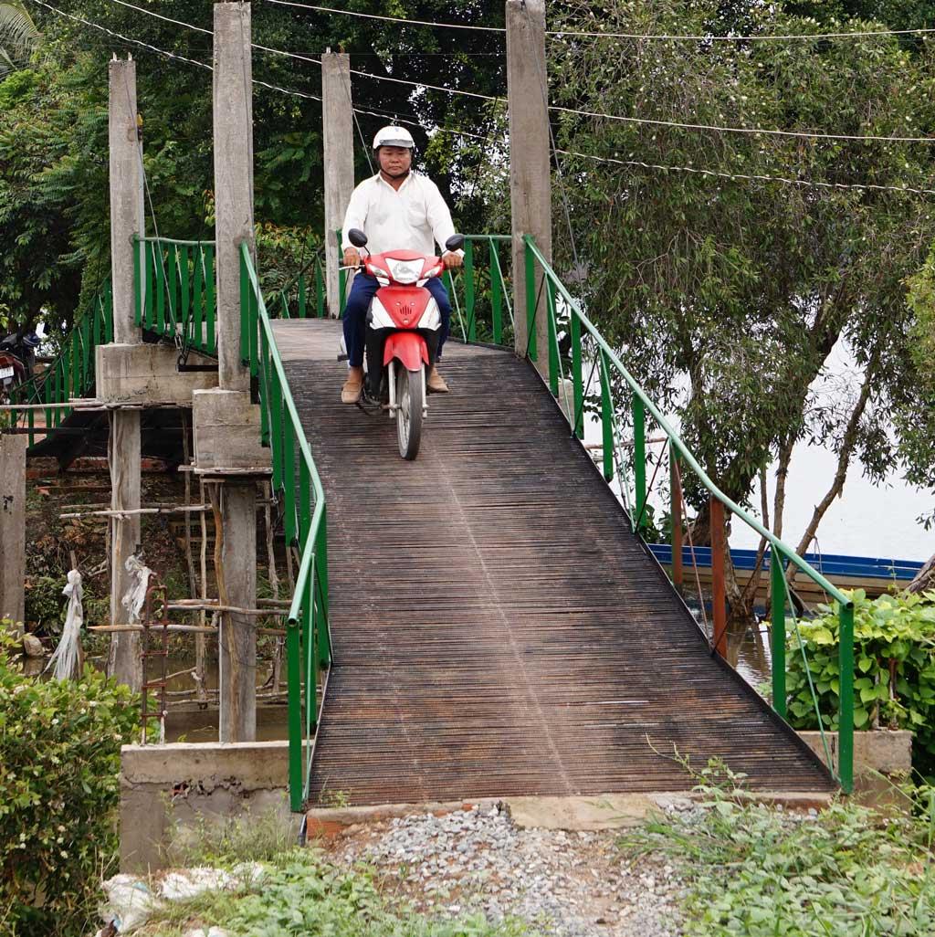 Công trình cầu giao thông nông thôn được xây dựng với sự vận động của ông Trần Văn Thơ