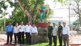 Viếng tượng đài AHLLVTND, liệt sĩ Nguyễn Văn Ngộ tại Campuchia
