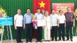 Cty Thái Sơn Long An tặng 264 bộ bàn ghế cho Trường THCS Lê Quang Thẩm
