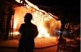 Chập điện gây cháy nhà trong chợ Rạch Kiến