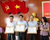 10 tập thể, cá nhân được khen thưởng trong công tác giám sát, phản biện xã hội