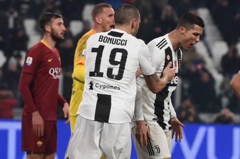 Cristiano Ronaldo ngày thi đấu thiếu may mắn. (Ảnh: Getty)