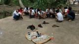 Vĩnh Long: Bắt 13 người đánh bạc bằng đá gà, thu giữ 50 triệu