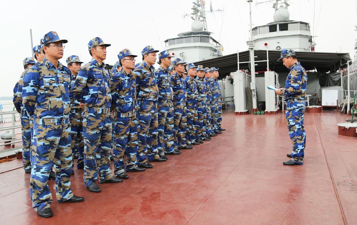 Tàu 513 thực hành tiêu diệt mục tiêu trên biển Tàu 511 quán triệt nhiệm vụ trước khi huấn luyện