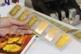 Giá vàng hôm nay 10/01: USD giảm, vàng treo giá mức cao