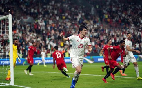 Iran (áo trắng) đè bẹp Yemen 5-0 ở trận ra quân Asian Cup 2019 (Ảnh: Getty Images).